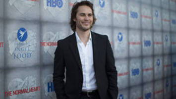 Taylor Kitsch stars in 'Call of Duty' ad